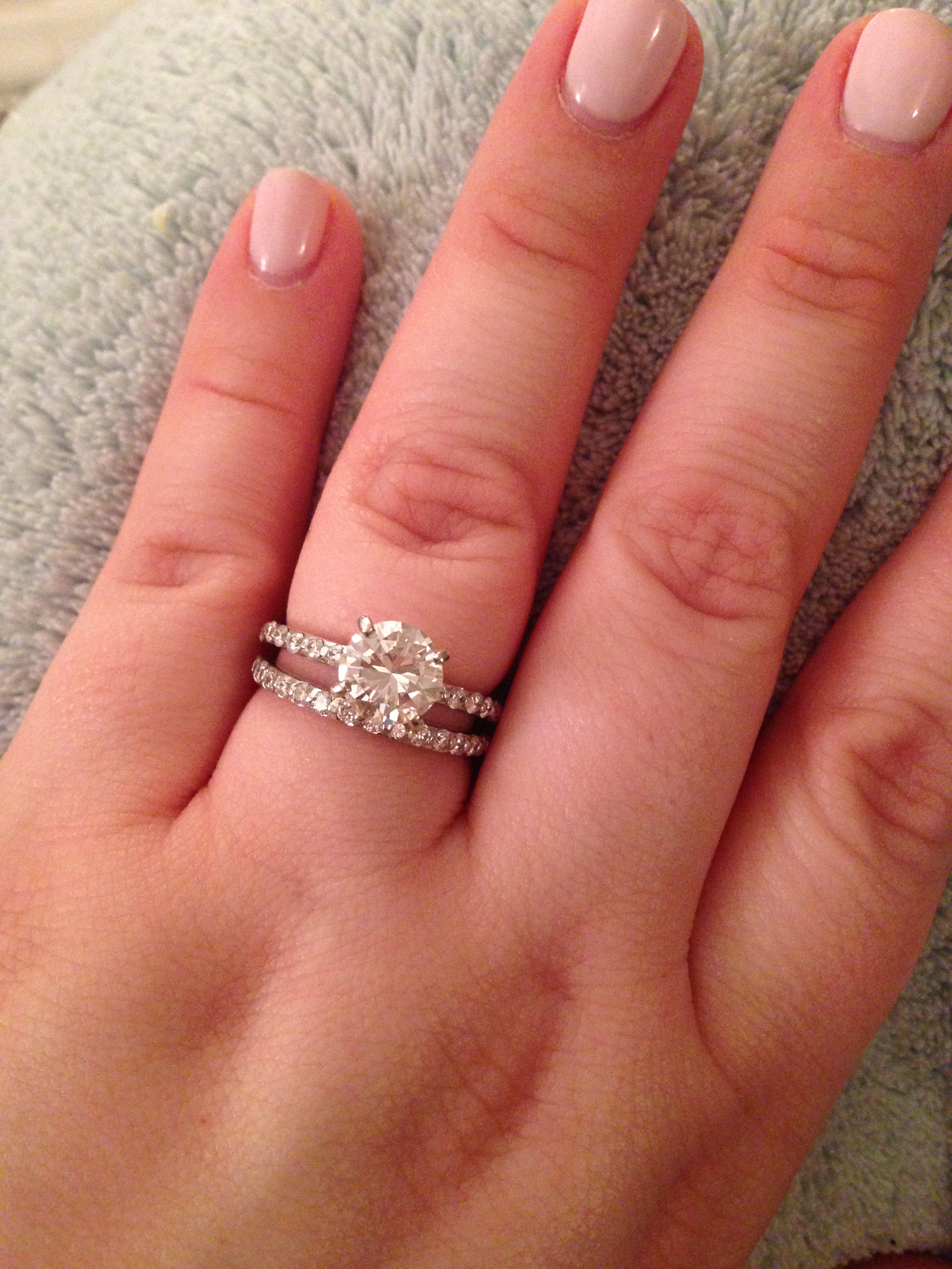 Exquisite engagement ring: Pictures of engagement and wedding rings ...